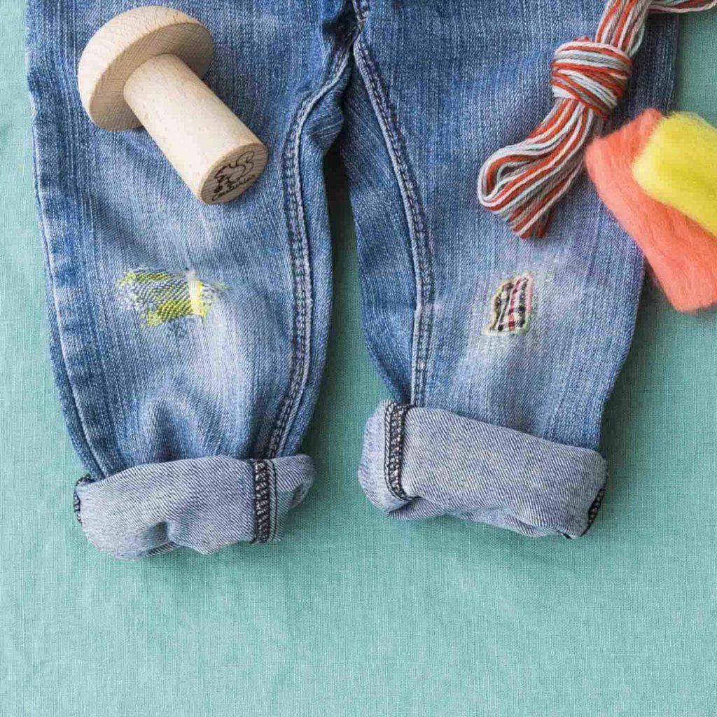 デニムのすり切れやしみには、あて布×刺しゅうで補強&おしゃれ。