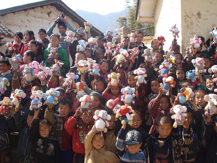 2009年中国・イ族の子どもたち