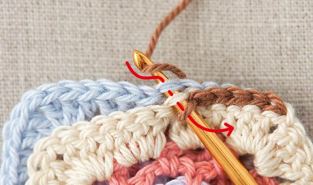 引き抜き編みでつなぐ 手順①