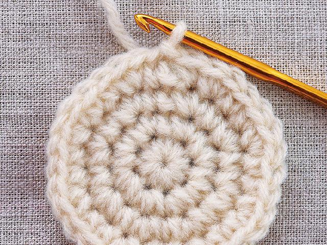 かぎ針編みの基本|こま編みの編み方