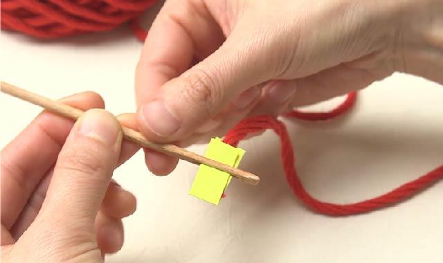 パンチニードル パンチニードルに挑戦 専用針に糸を通していきます①