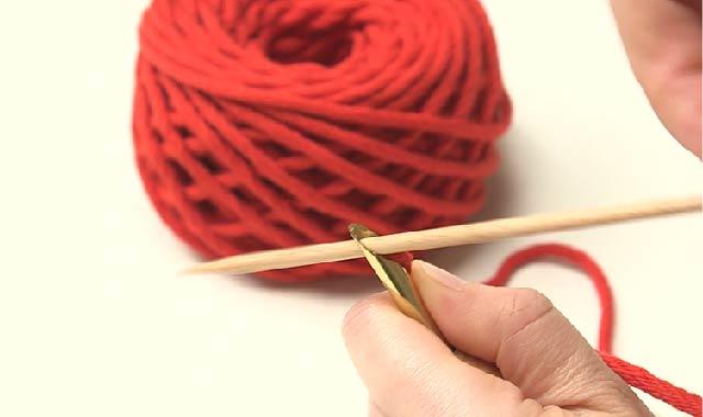 パンチニードル パンチニードルに挑戦 専用針に糸を通していきます③
