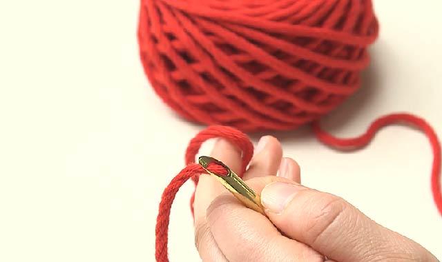 パンチニードル パンチニードルに挑戦 専用針に糸を通していきます④