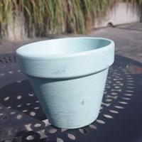 素焼きの鉢をペンキで塗装!(1)