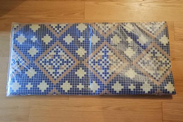 ヨーロッパのショップの床のよう モザイクタイル柄のフロアシートの会