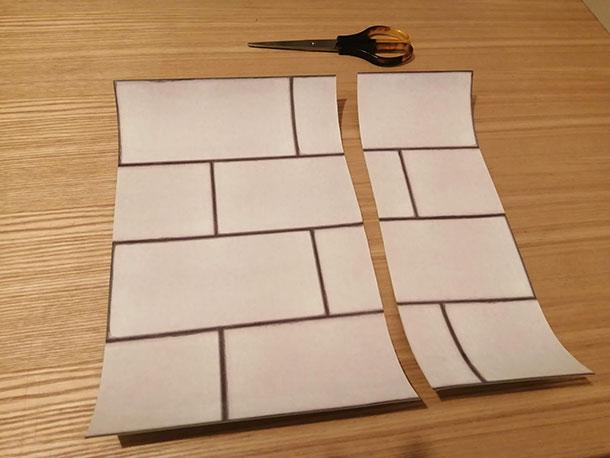シートよりせまい範囲に貼るときは、予め壁紙シートをカットしておきます。