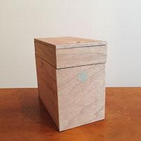 【連載】『テーブルの上で簡単DIY』お部屋の片隅に置いてインテリアにも 木製の救急箱を作ろう