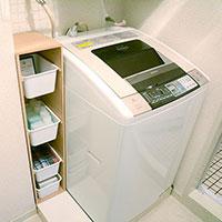 【賃貸でも初心者でも】理想の暮らしをかなえるDIY 洗濯機横のデッドスペースを活用