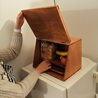 【連載】『テーブルの上で簡単DIY』 神戸新聞 朝食の準備物がすっきり収まるブレッドケースを作ろう!