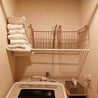 【超簡単】トイレと洗濯機上につっぱり棒を使って棚を作ったよ