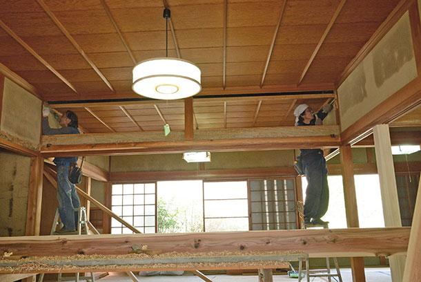 照明器具は直接ひもを引っ張ってオンオフするタイプのもの