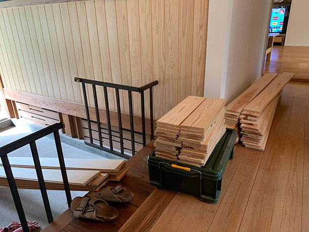 リビングやダイニングは吉野檜を使いました。そして今回のフローリングの木の種類なのですが吉野杉です