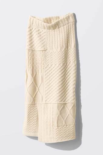 MEDE19F リメイク風ニットスカート〈アイボリー〉