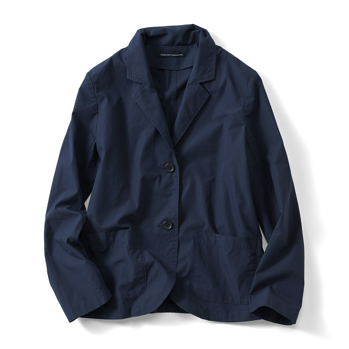 THREE FIFTY STANDARD 薄くて軽い一枚仕立てのテーラードジャケット〈ネイビー〉