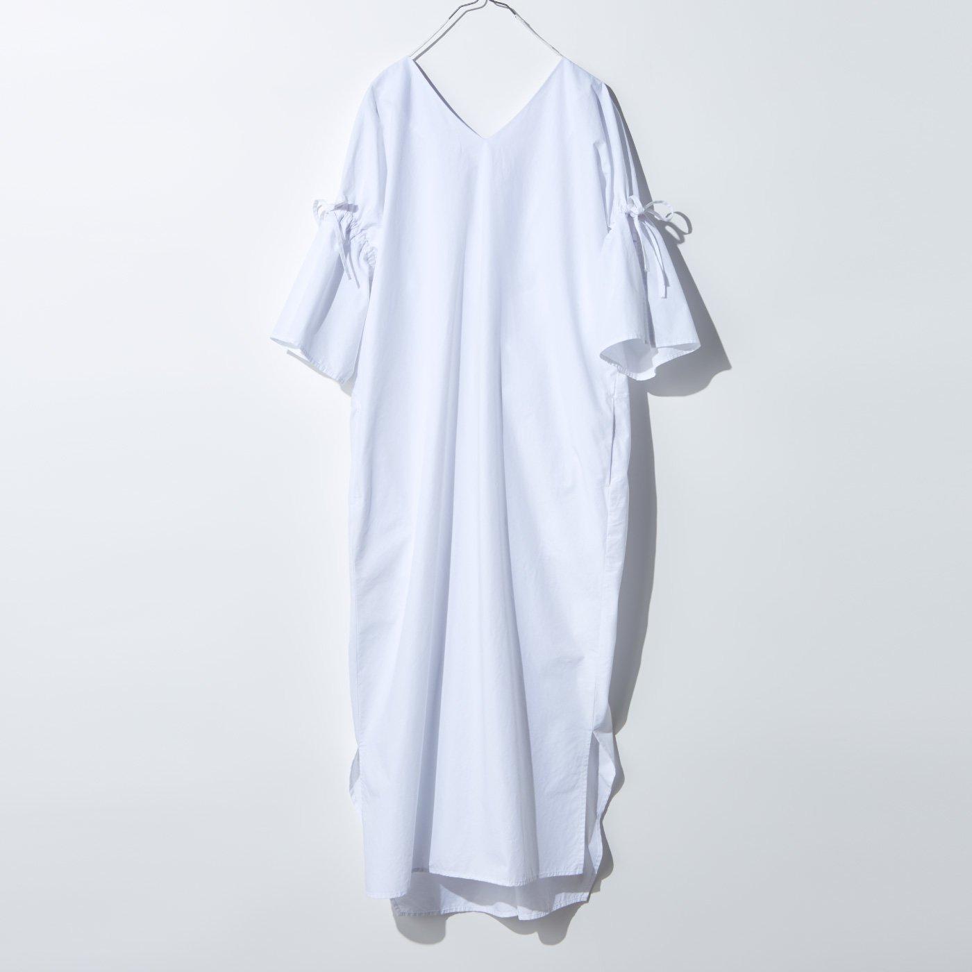 MEDE19F 製品染めコットンダンプひねりワンピース〈ホワイト〉