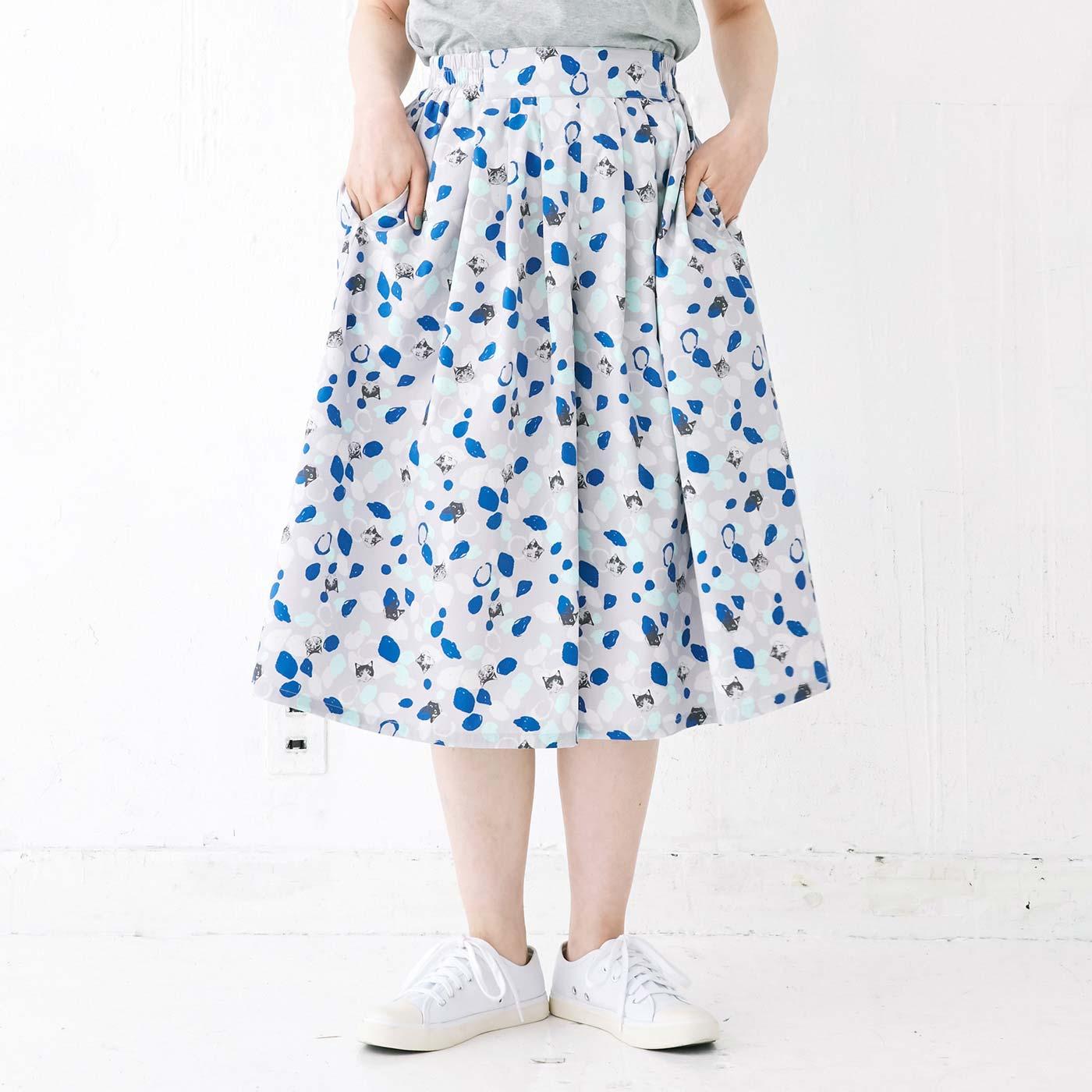 ふんわりスカートのようなシルエット。