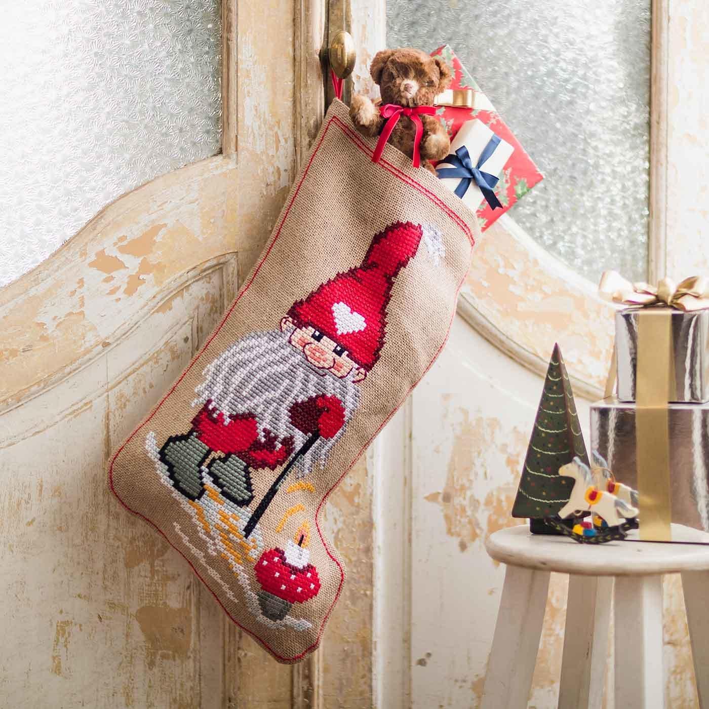 PERMIN クリスマスの大きな靴下  毛糸のクロスステッチキット
