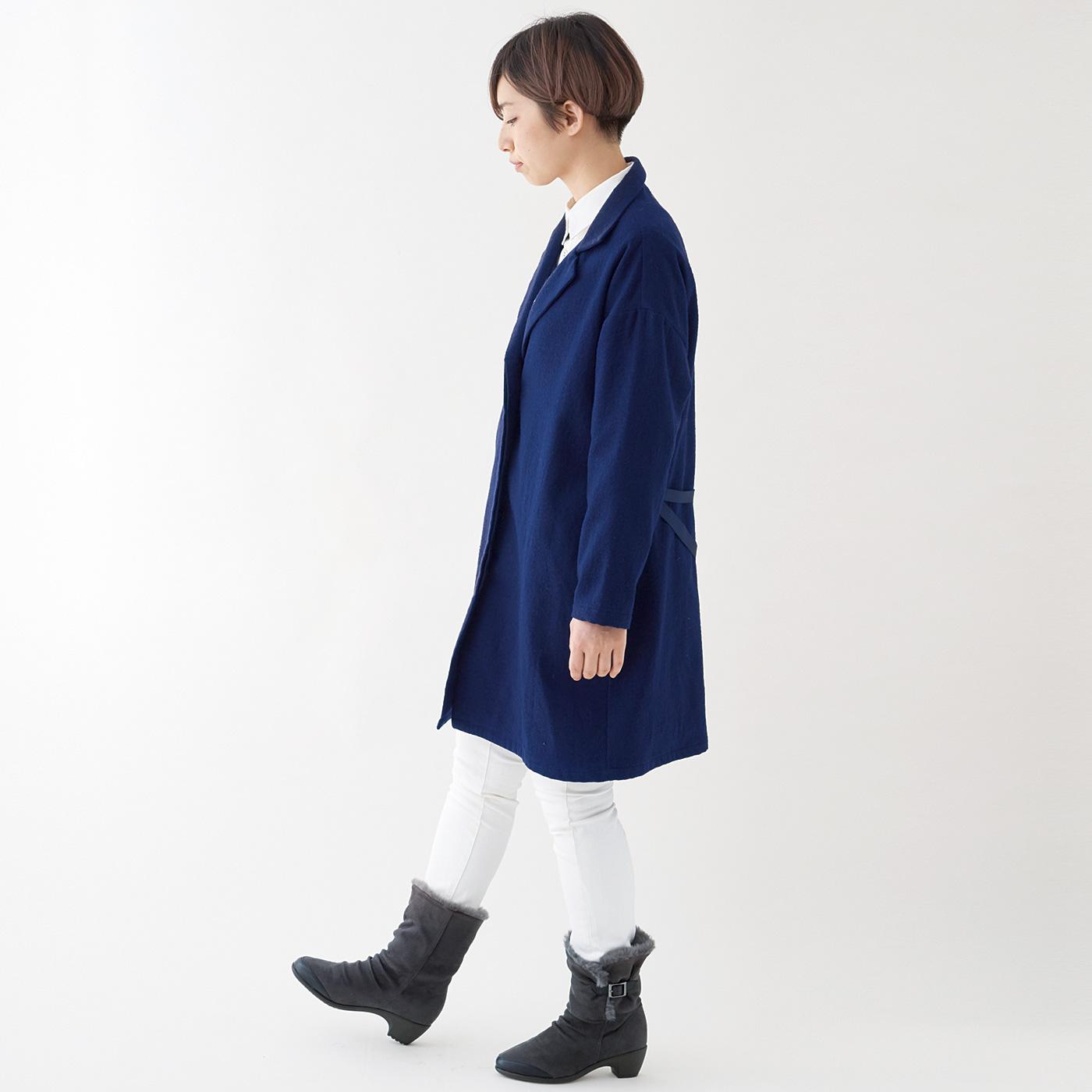 すらりムートンブーツ風 履き口から足首までのフェイクファーが足首を暖かく包み込みます。きれいめスタイルにも合うすっきりシルエット。