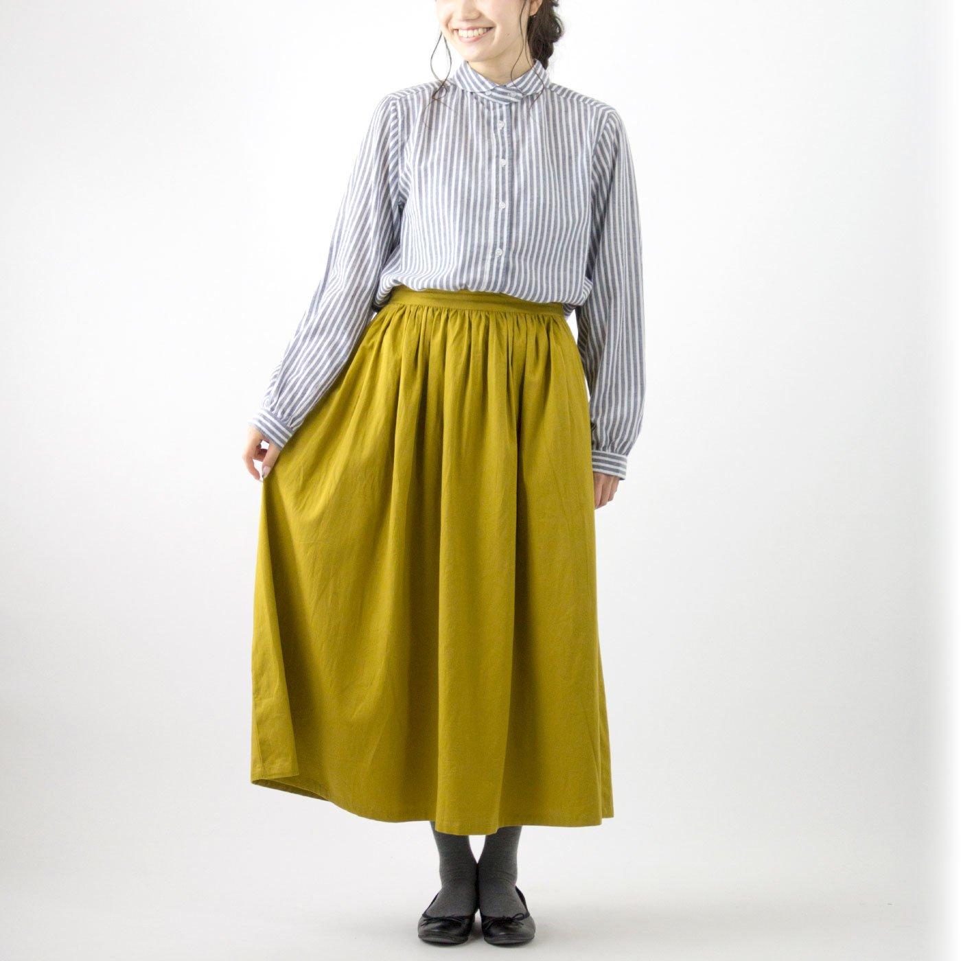 オーバークローズ ウォッシュ加工でいい感じ アクセントになるギャザースカート