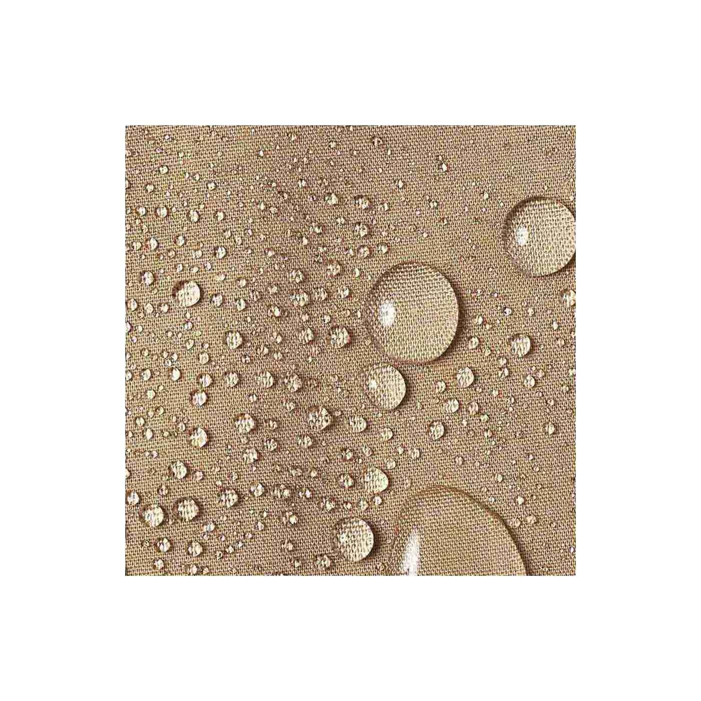 やさしい風合いの綿混素材の生地に撥水(はっすい)加工をほどこしています。