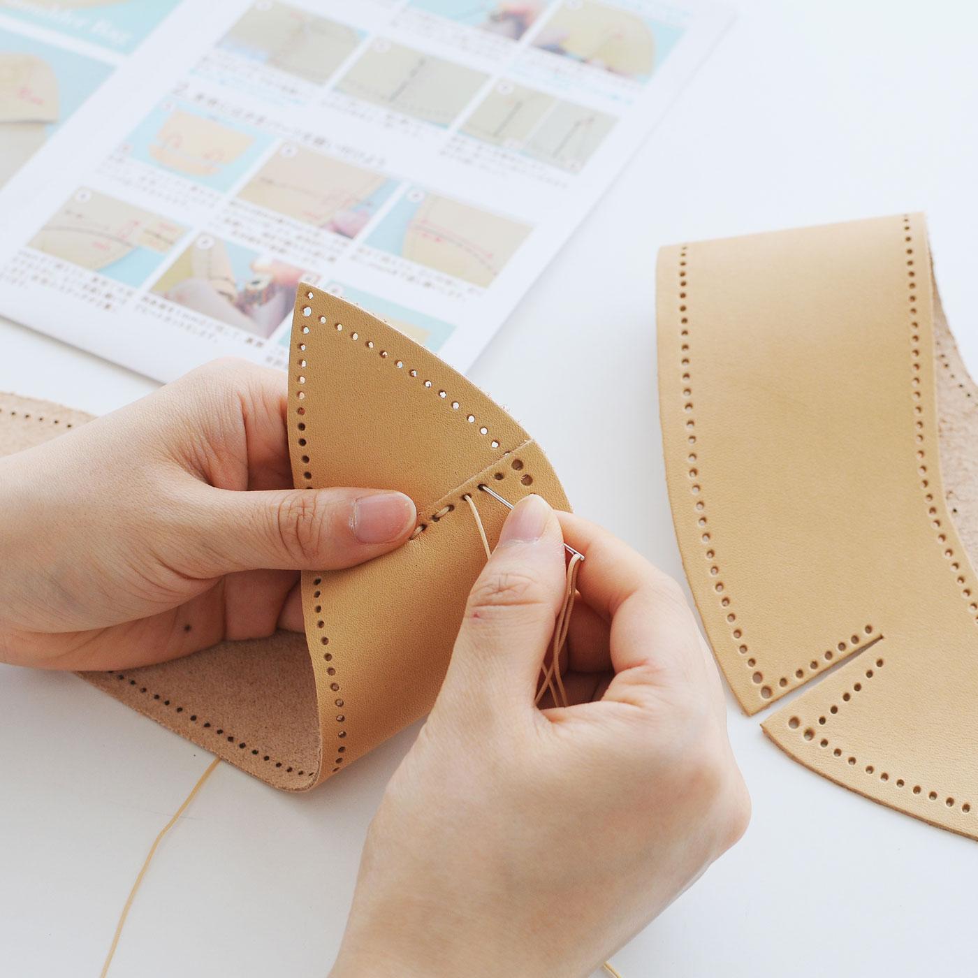 作り方説明書を見ながら縫い上げるだけで完成します。