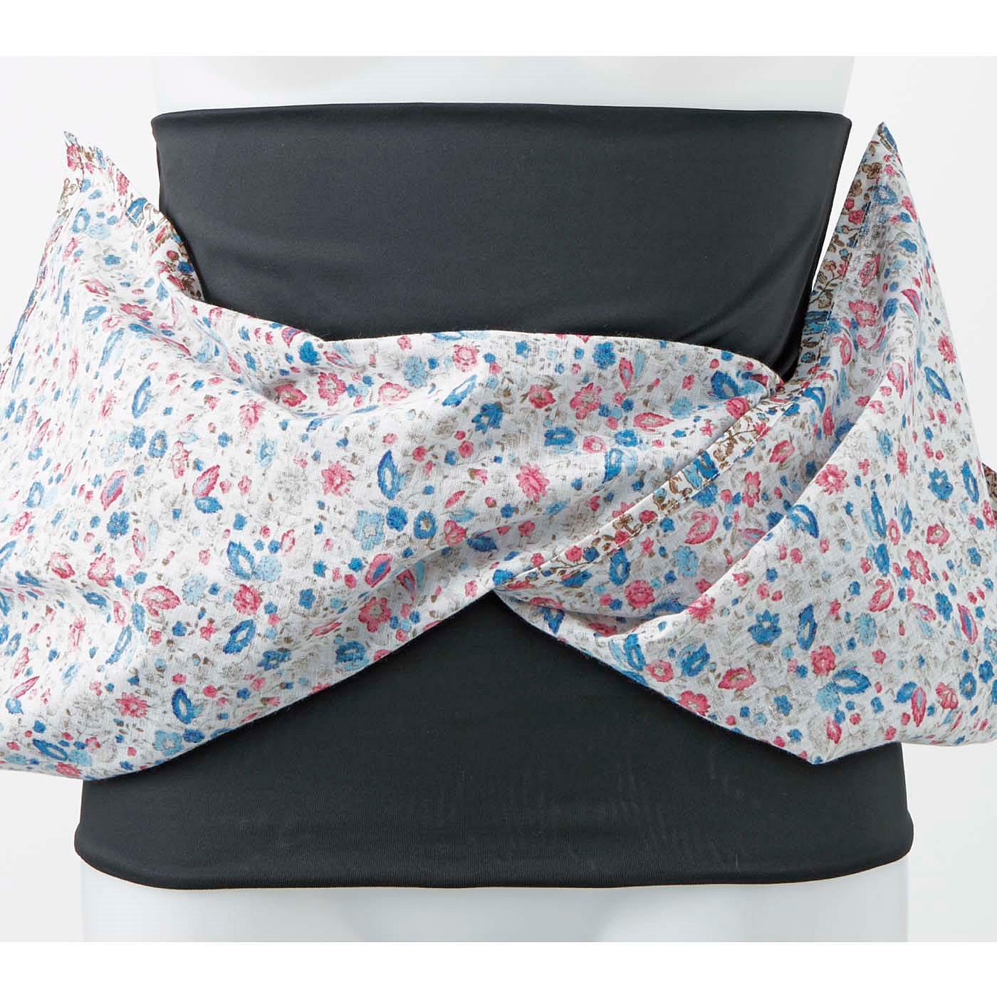 おなかフィッターとラップスカートが一体化! 伸縮性のある腹巻き状のおなかフィッターでほどよくぽっこりを押さえます。