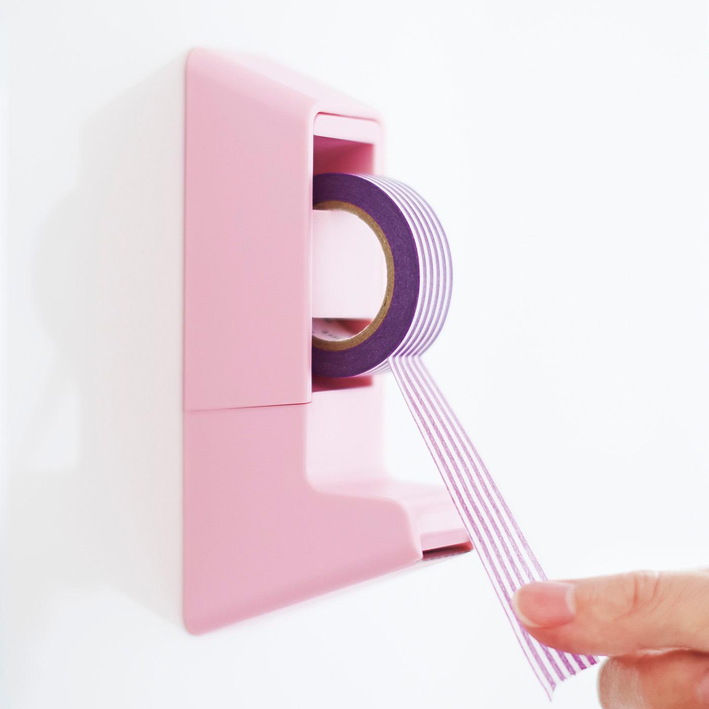 片手でらくにテープを切ることができます。