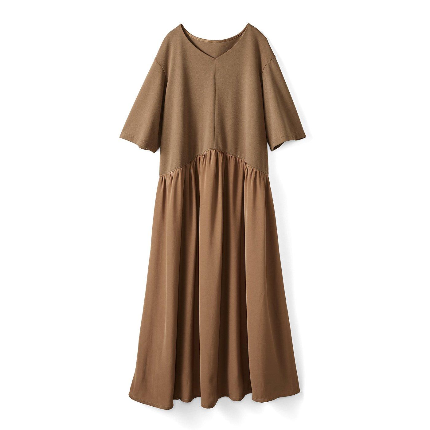 IEDIT[イディット] トップスは吸汗速乾カットソー スカートは布はくの異素材遣い 快適着映えロングワンピース〈キャメルベージュ〉