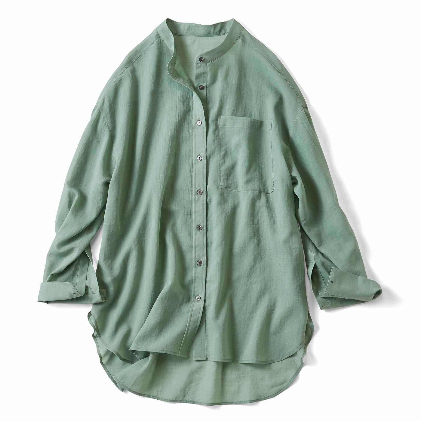 リブ イン コンフォート サラッとはおって大人のおしゃれ 着こなしの幅も広がるコットンシアーシャツ〈グリーン〉