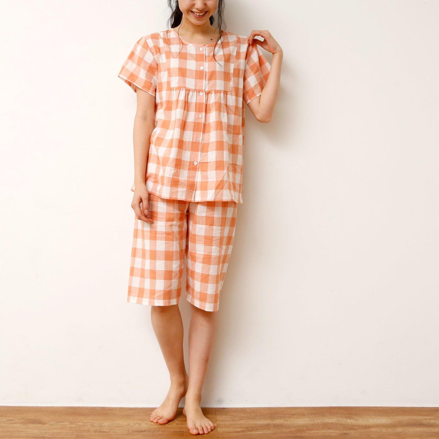 切り替えギャザーでゆったり着心地 夏の快眠チェックパジャマ
