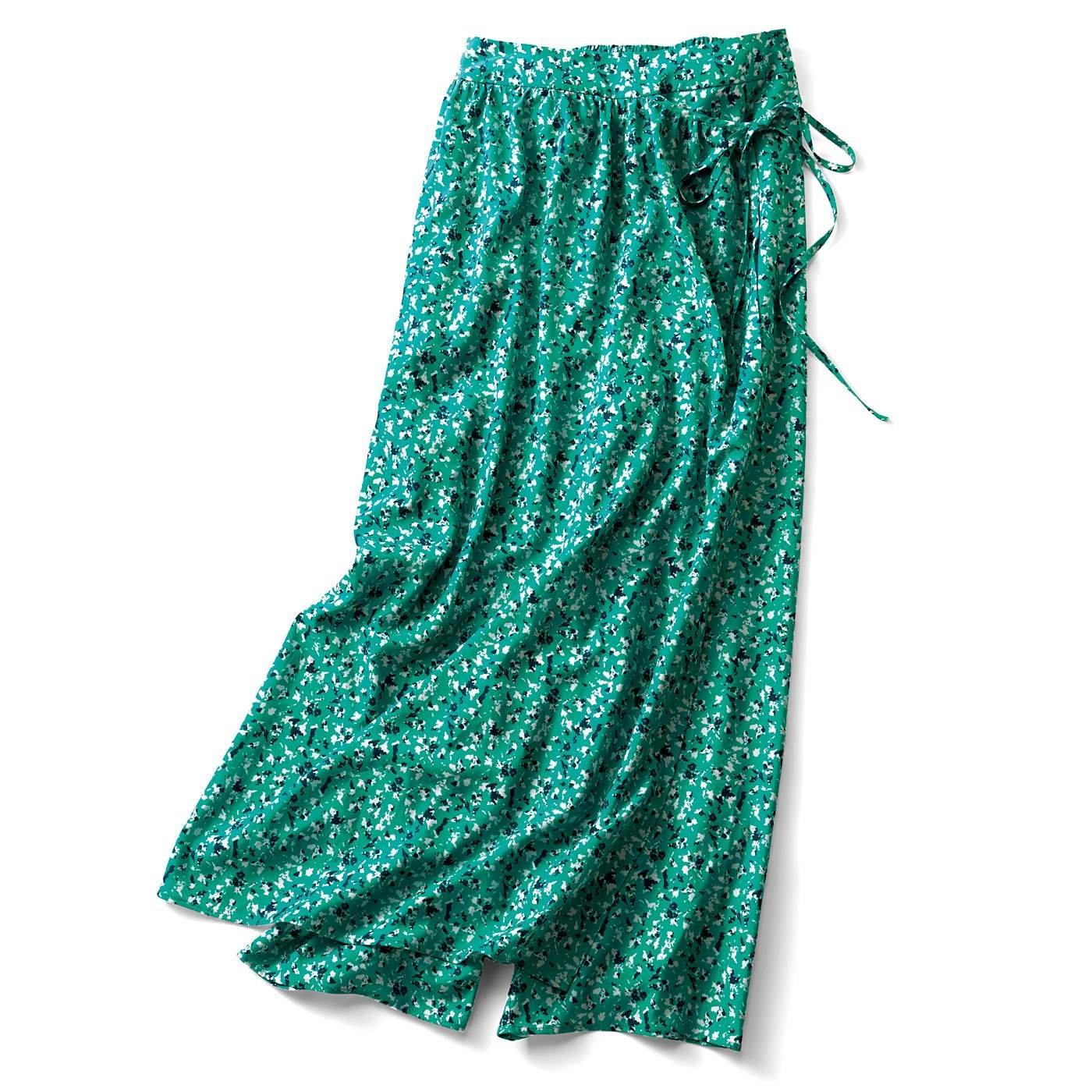【3~10日でお届け】リブ イン コンフォート くぼっち★とコラボ 旬な気分をかなえるオーバースカートがドッキングしたワイドパンツ〈アーモンドグリーン〉