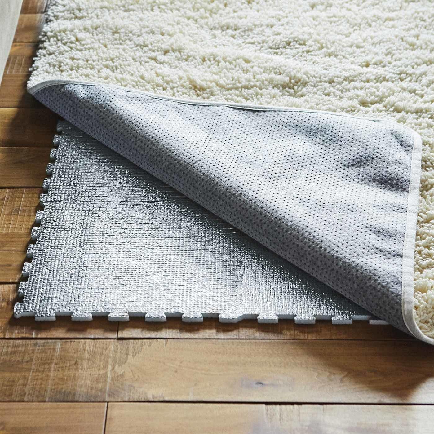 リビングあったか床冷え防止 アルミ素材のパズルマット