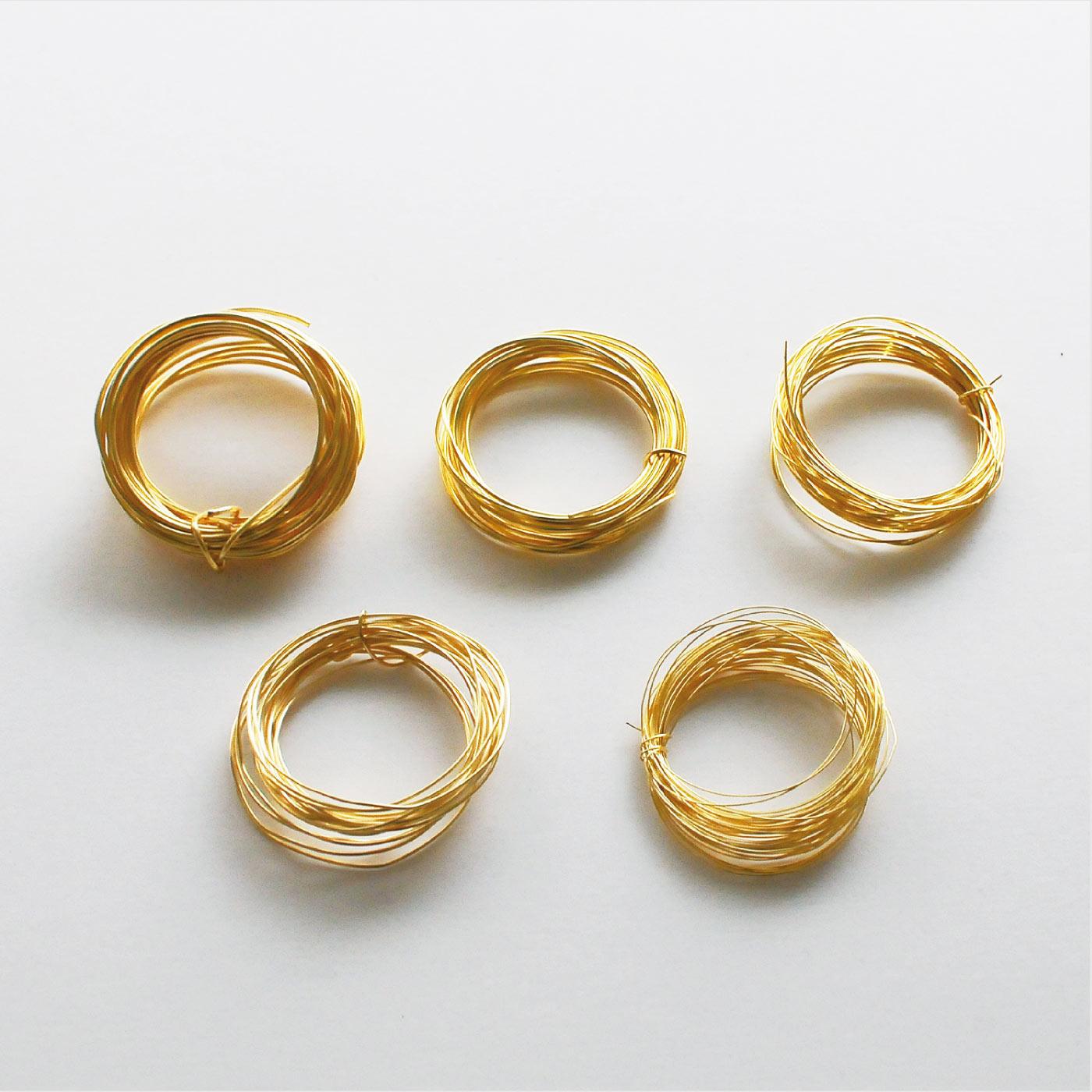 材料セット:ジュエリー専用ワイヤー直径約1mm(約3m)、直径約0.8mm(約2m)直径約0.6mm(約2m)、直径約0.5mm(約3m)、直径約0.3mm(約5m)