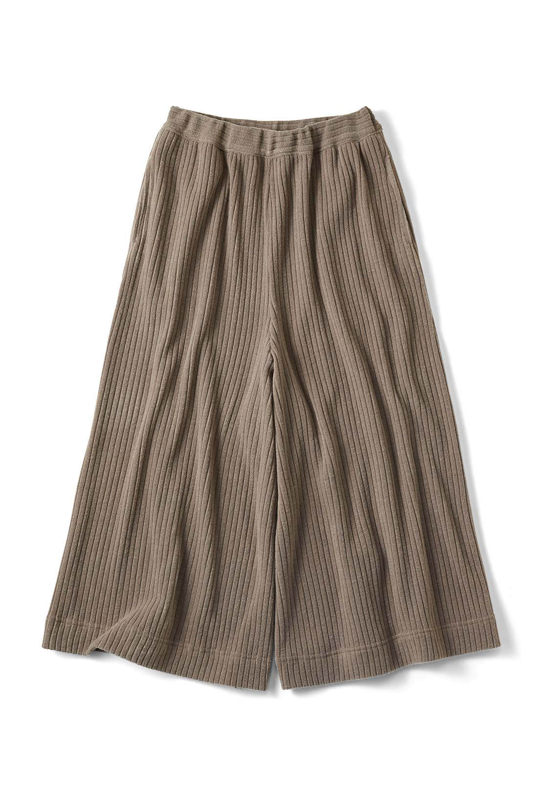 【グレー】はくとロングスカートみたいなシルエット。リブニットだからしわしわにならないの。