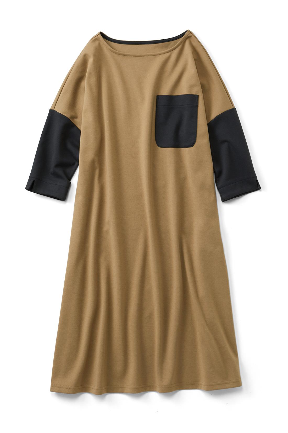 【ベージュ】大きなポケットがインパクト大。ワイドシルエットだけど着ると、すとんと落ちてかわいいの。