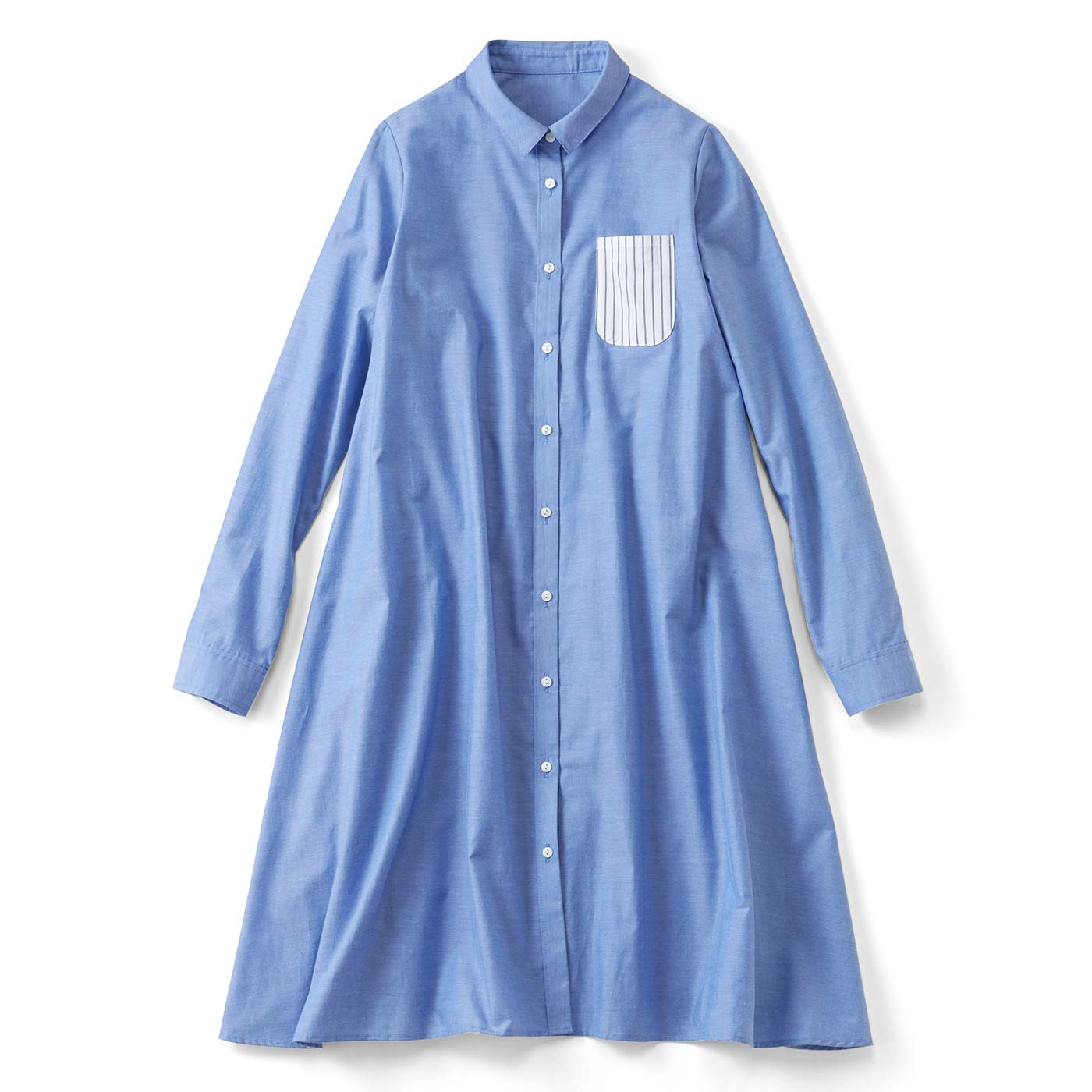 後ろギャザーのポッケ付きシャツワンピース〈水色シャンブレー〉
