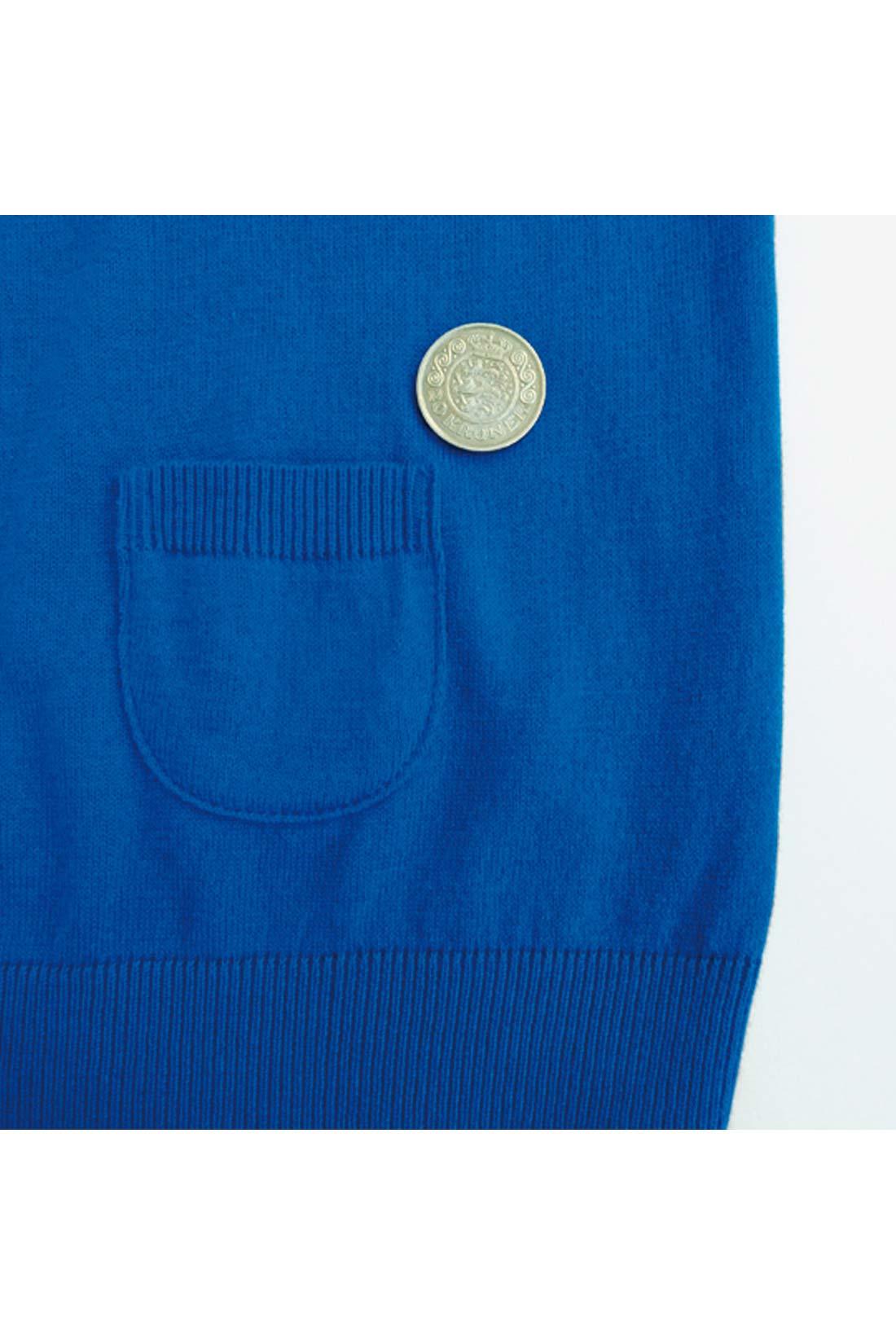 【ポケットは。】前にも後ろにも付いていますが、本当に本当に小さいよ。