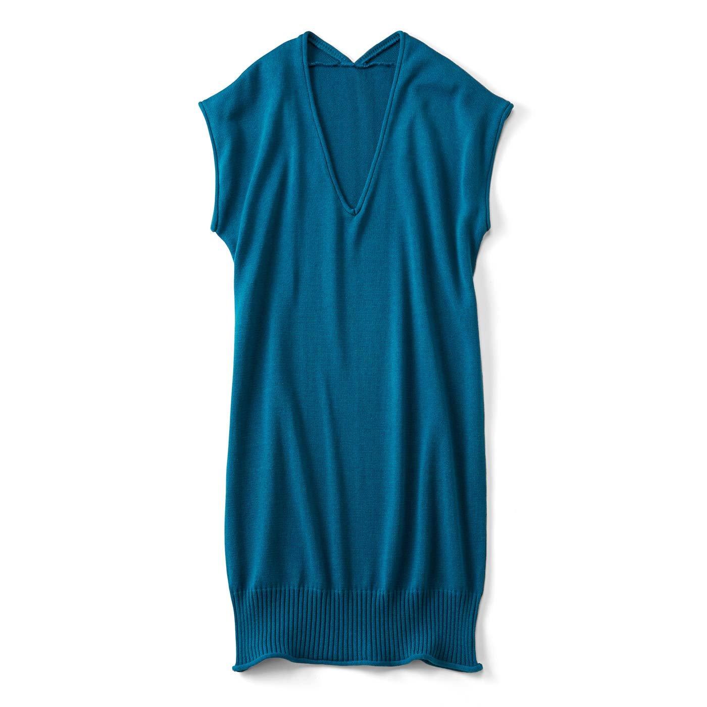 オッドアイニャンコのスリーブレスニットワンピース〈気まぐれなブルー猫〉
