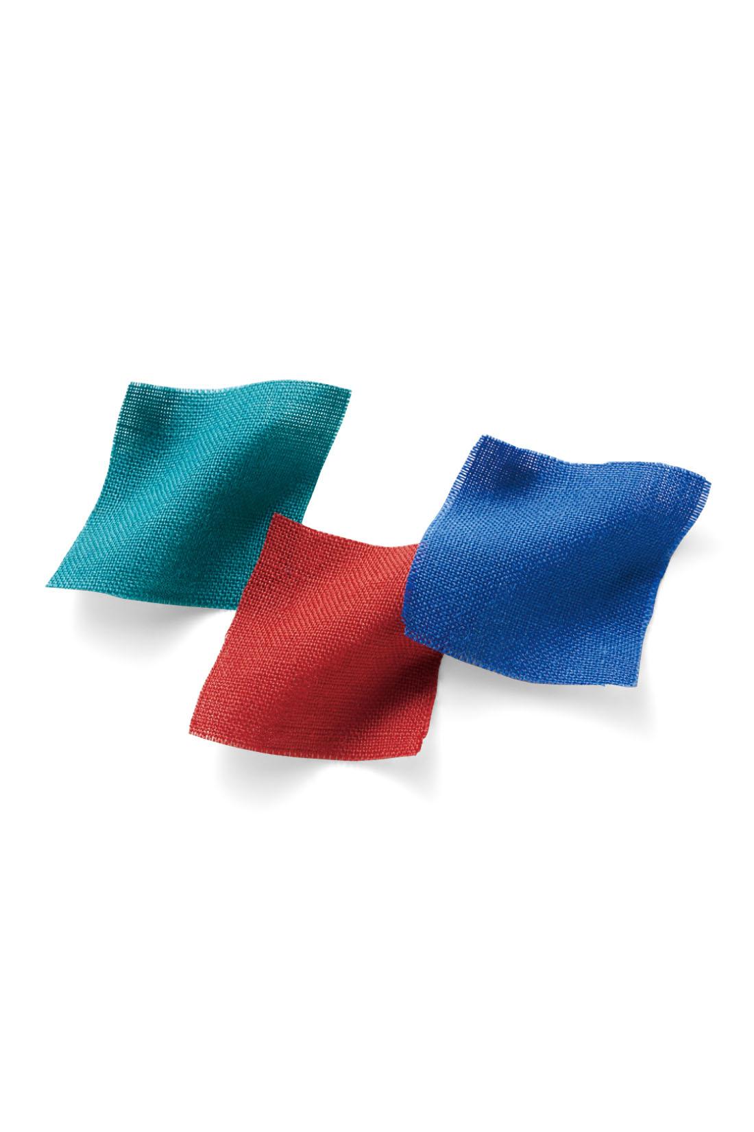 軽やかな綿麻素材は、ノンアイロンでリラクシングな着こなしをかなえます。