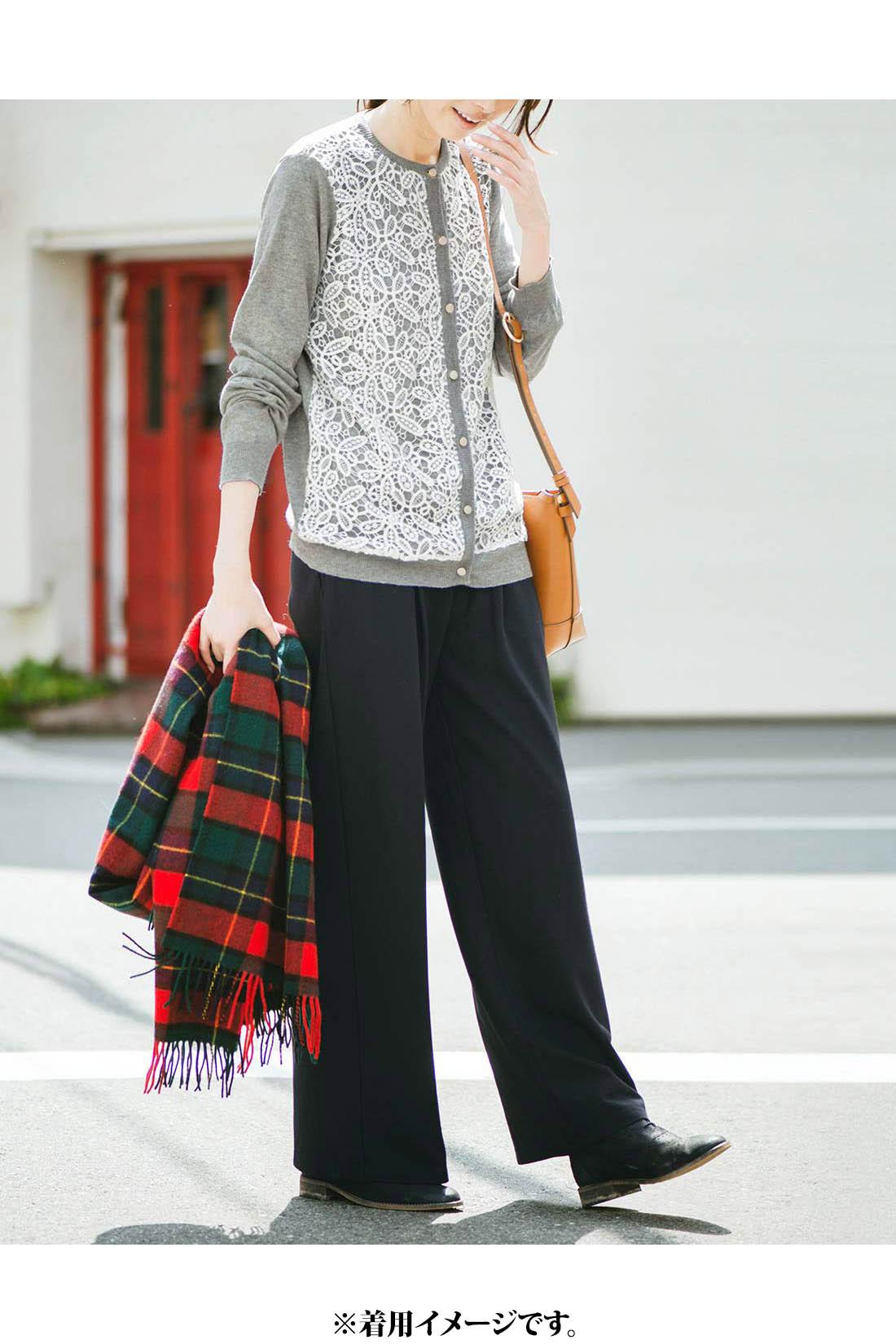 ボトムスを選ばないほどよい丈感でスカートにもパンツにも◎。ほどよいクルーネックで顔まわりすっきり。これは参考画像です。※お届けするカラーとは異なります。