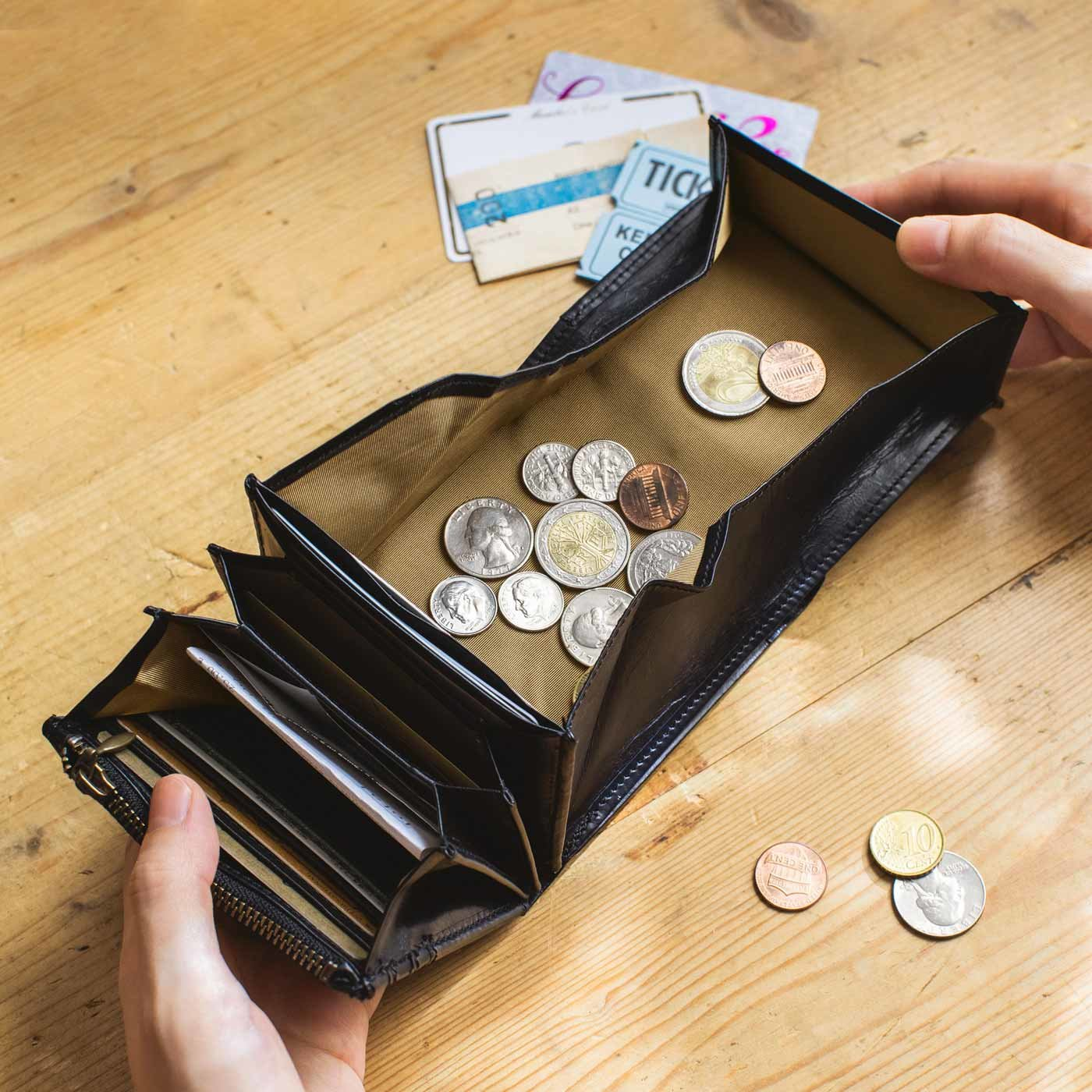 職人仕上げ 気配りいっぱい大人折り財布〈ブラック〉[本革 折り財布:日本製]