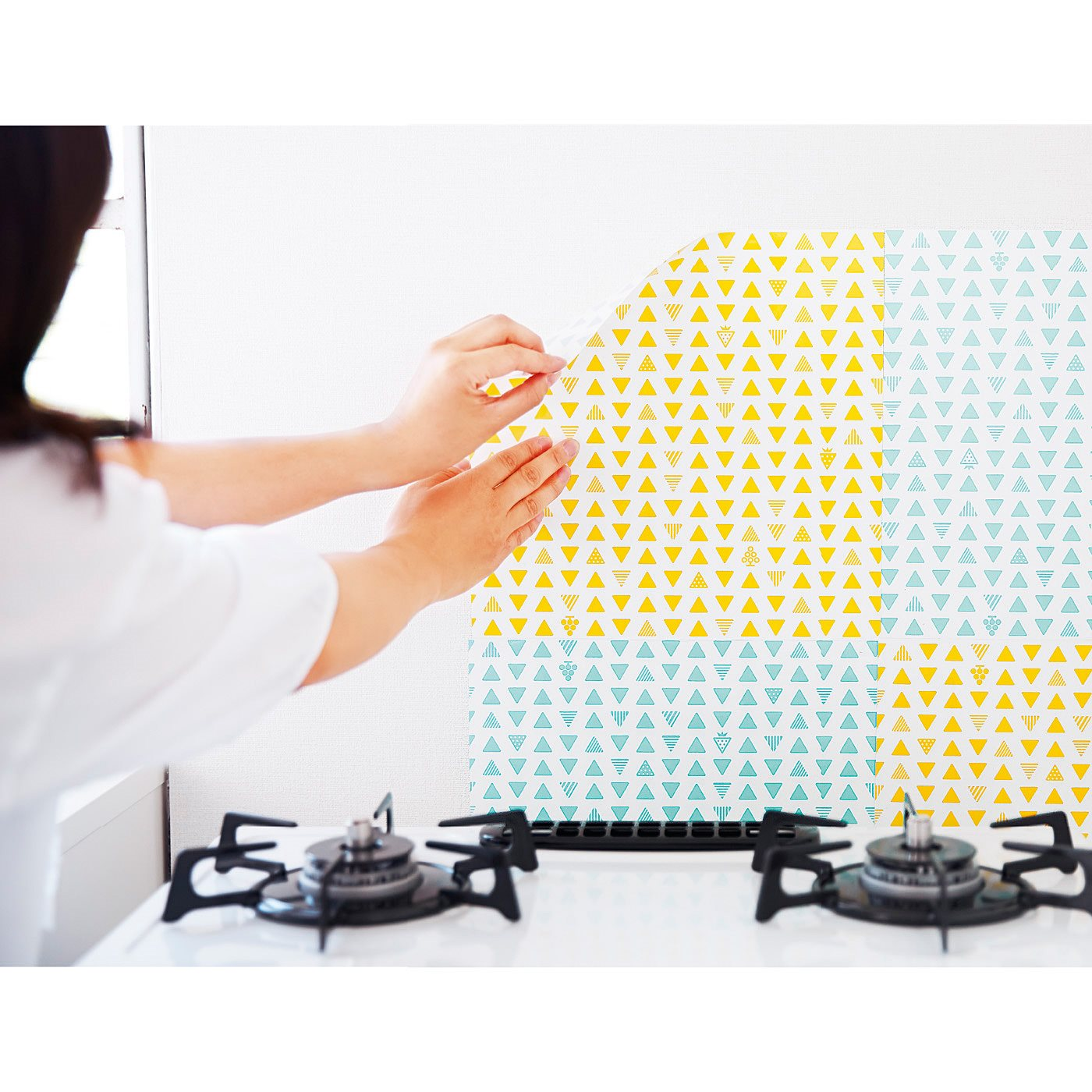 コンパクトな正方形サイズだから、ひとりでも貼りやすい!