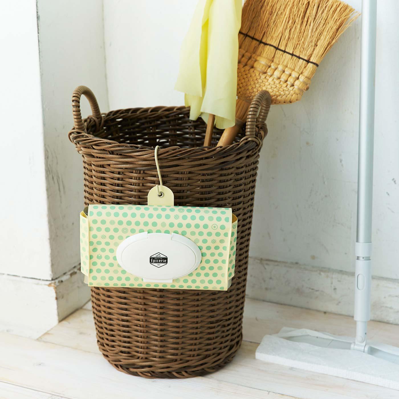 フックを引っ掛けられる穴付き。お掃除シートの種類を変えればキッチン以外でも多目的に使えます。