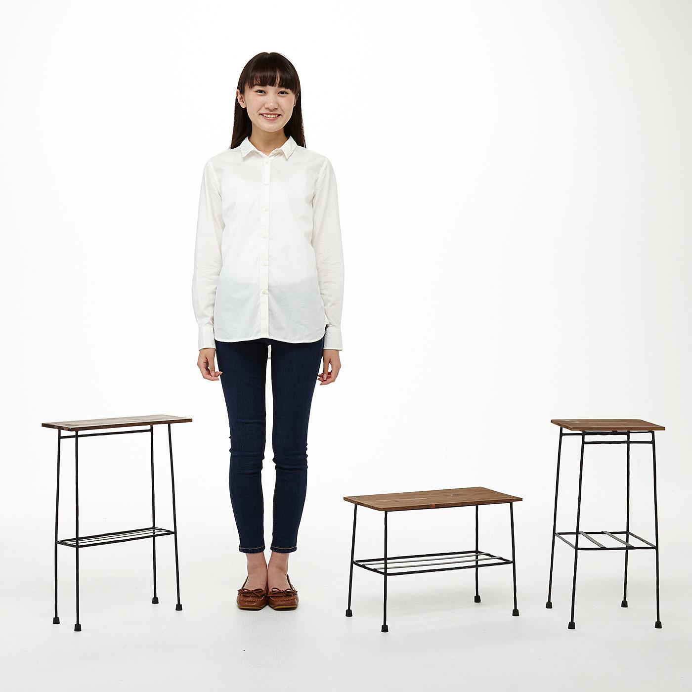 (左から)ちょい置き細長テーブルの会、ちょい置きマイローテーブル〈ブラック〉の会、ちょい置きマイカフェテーブル〈ブラック〉の会。「ちょい置き」に使いやすいサイズ感にこだわりました。