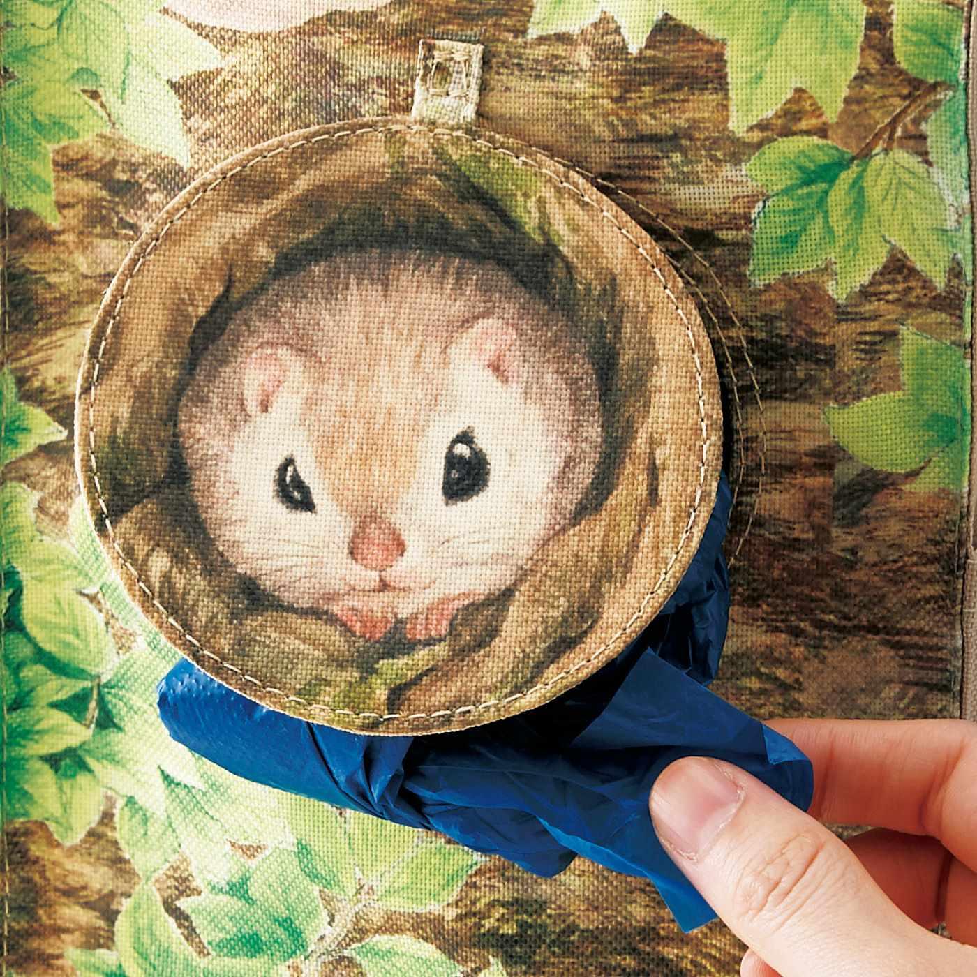 ストックしたレジ袋の取り出しは巣穴から!