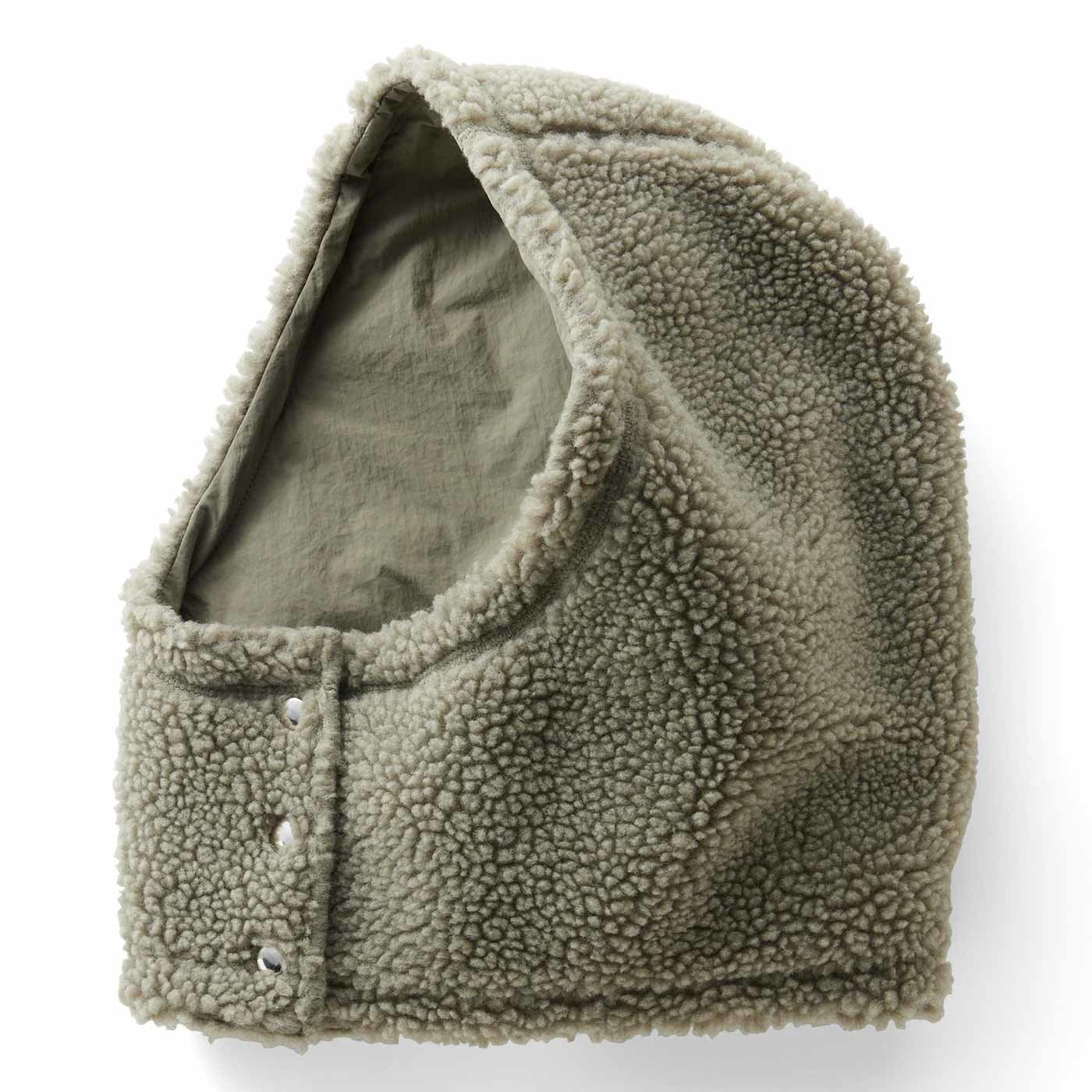 IEDIT[イディット] 暖かくコーデを盛り上げる ボア×撥水(はっすい)素材のリバーシブルフヌード〈スモーキーカーキ〉