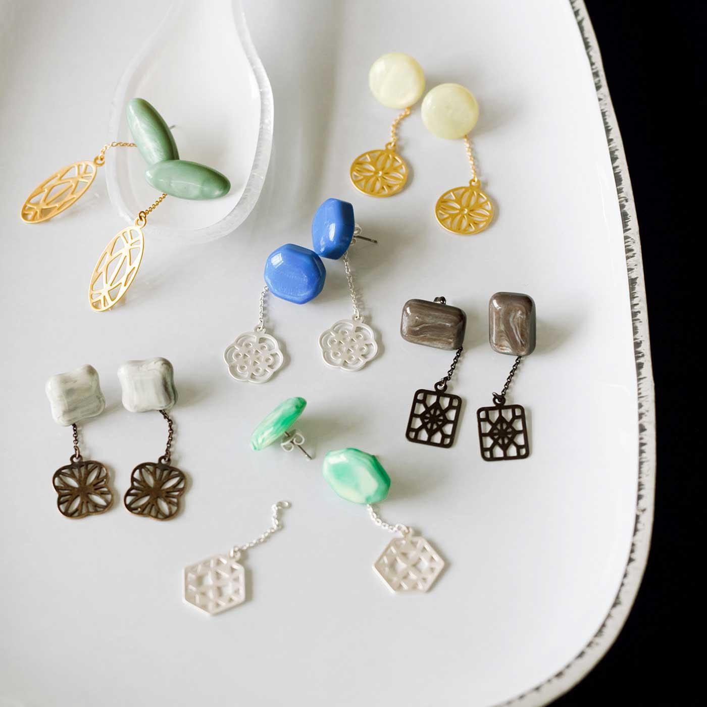 フェリシモ イラストレーター 山本祐布子さんと作った ミルク生まれのやさしい風合い 光を透かせるイヤアクセサリーの会
