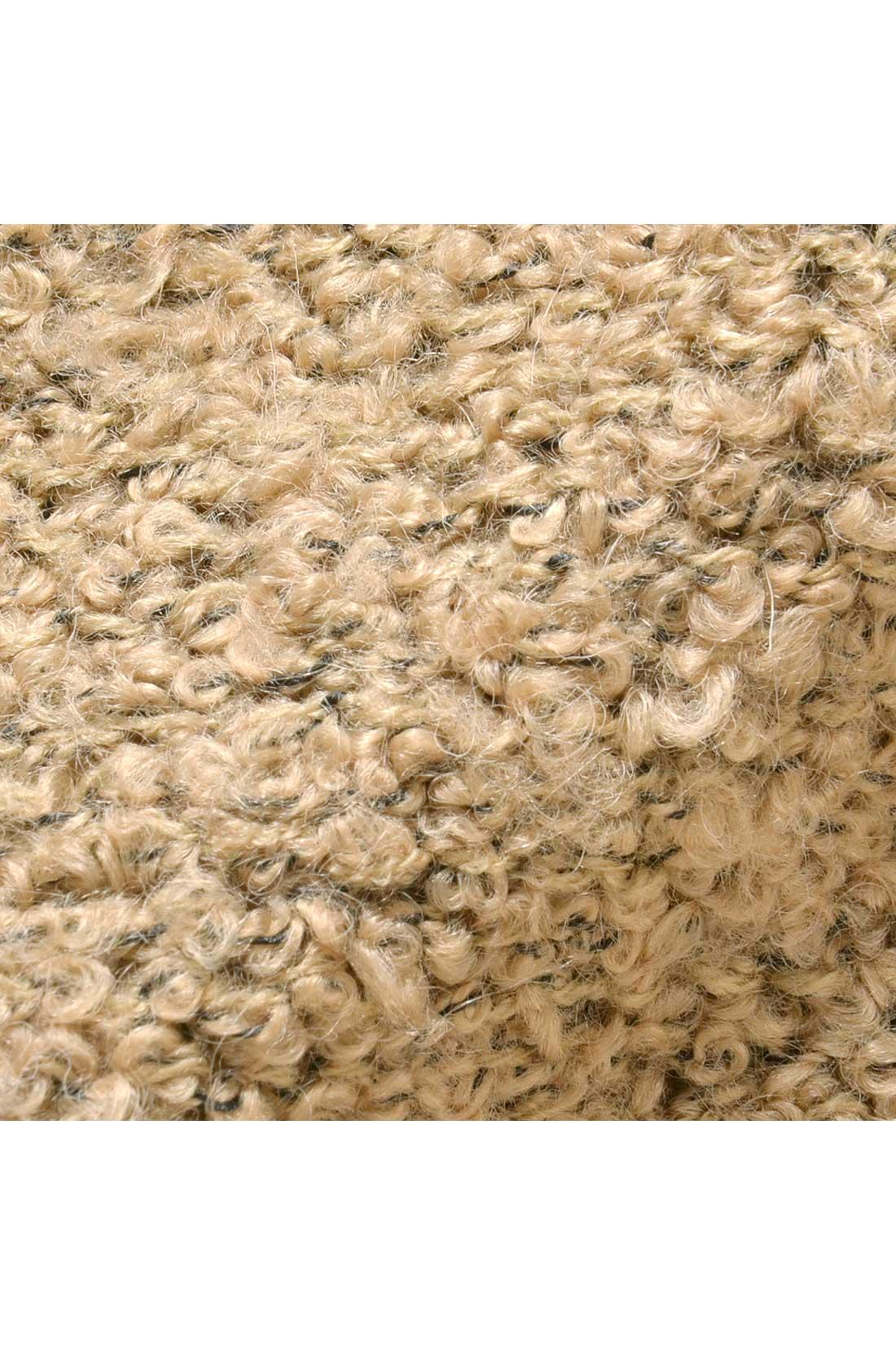 ぽこぽこしたループヤーンを編み上げた、ふんわりやわやかな肌ざわり。