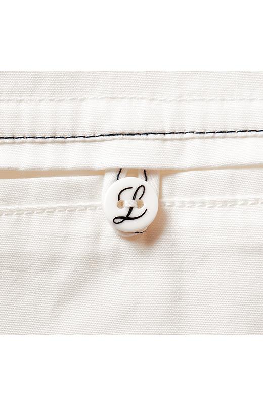 「L」をデザインしたオリジナルボタン。