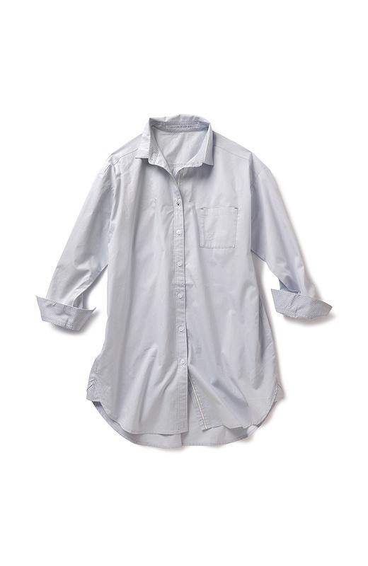 衿は立てても上品にキリリとキマる小さめサイズ。